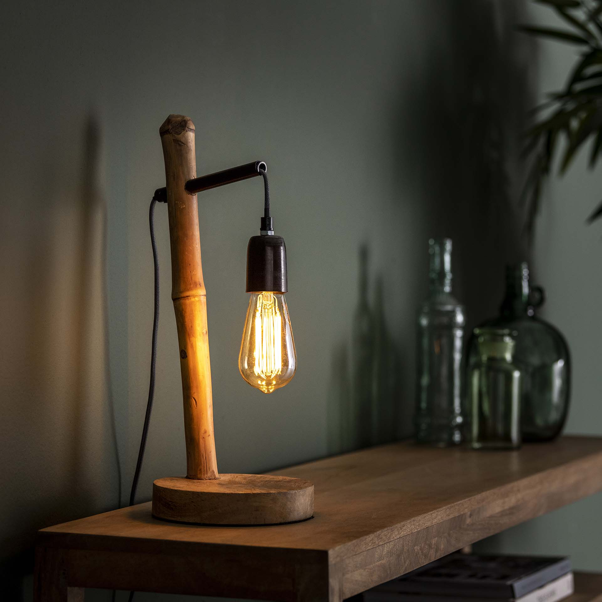 Picture of: Bamboo Bordlampe I Bambus Og Metal Bordlamper 3 Nordic