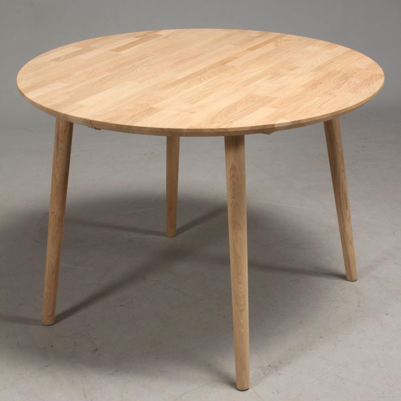 DT 100 - rundt spisebord med 1 tillægsplade, massiv eg - Spiseborde ...